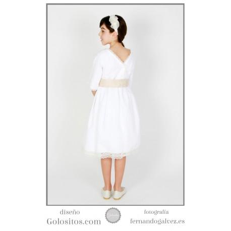 Vestido de Comunion corto, pique blanco con escote en espalda