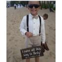 Traje de niño para boda. Lino crudo con pantalón piedra. Tirantes y pajarita