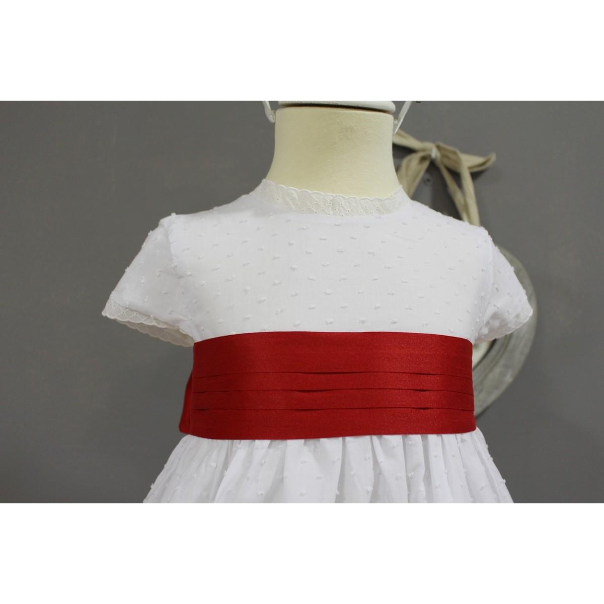 f5cf5ec03 Vestido de arras, plumeti blanco con fajin y escote V espalda ...