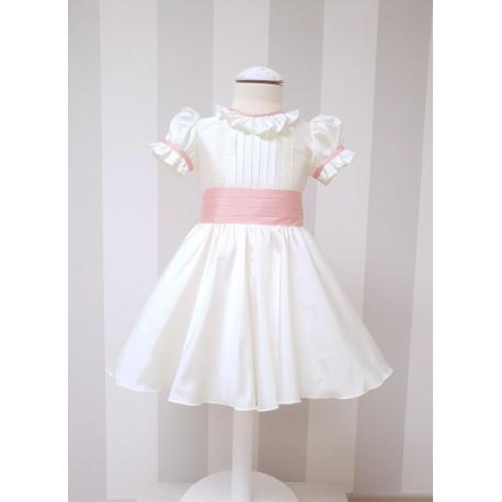 Vestido de boda para niña. Evento especial. Color marfil con fajin. Boda Real