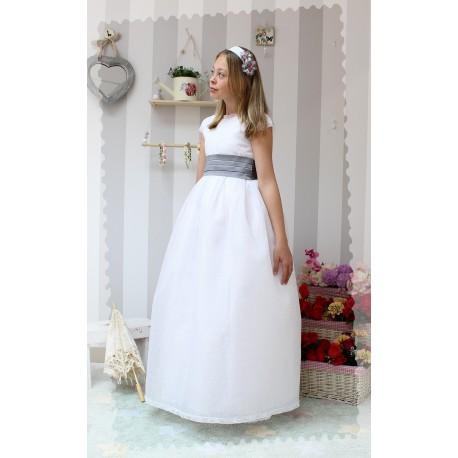 Vestido de Comunión Organdí Blanco con plumeti bordado. Bodoques