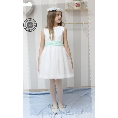Vestido de Comunion corto, batista blanca con sobrefalda de organza blanca