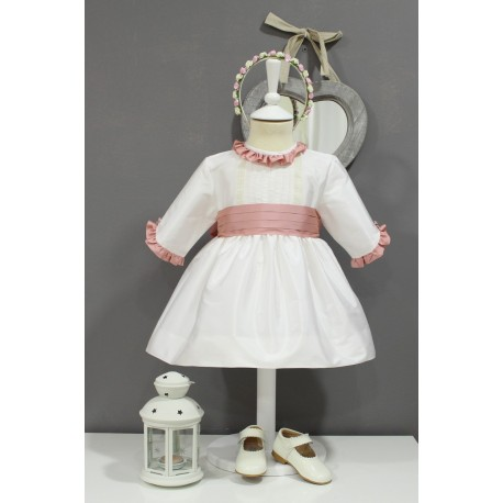 Vestido de arras seda marfil, manga francesa. Adornos en rosa palo