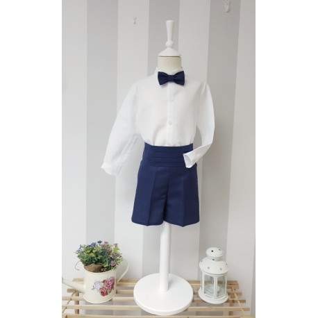 Traje niño ceremonia Lino blanco y azul marino. Pajarita y fajín aparte.