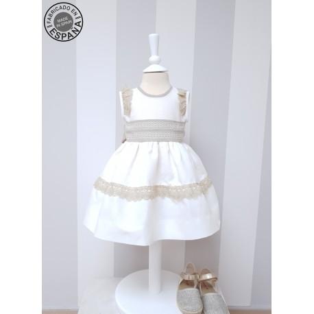 Vestido boda niña, Lino marfil con puntilla bolillo topo. Sin mangas