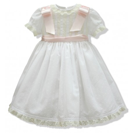 Baby girl baptism dress, in white cotton plumeti. With laces and bows