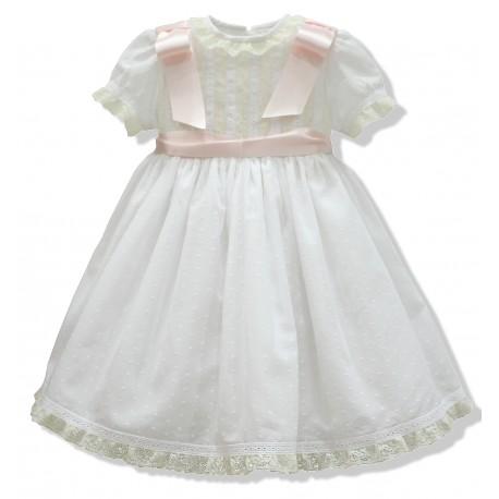 Vestido de bautizo bebe en plumeti blanco. Con lazos en los hombros. Puntilla