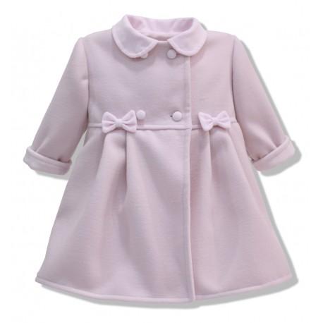 Abrigo de bebe de mouflon rosa bebe. Unisex. Botones forrados