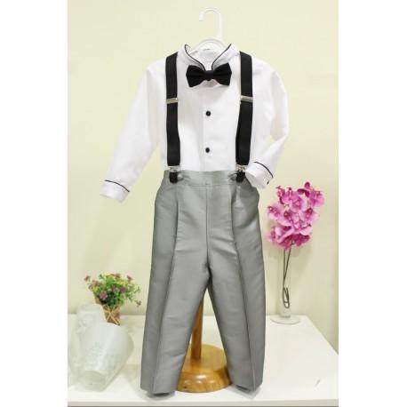 Traje de niño para boda. Camisa blanca, pantalón gris de seda. Tirantes y pajarita negros