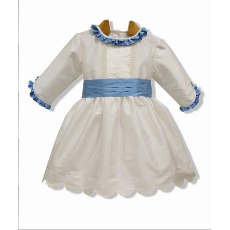 Vestido de arras seda marfil, manga francesa. Adornos en seda azul