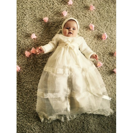 Christening gown, in ivory organza and ivory laces. With bonnet, long sleeves