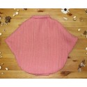 Capa para niña en paño rosa trenzado